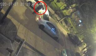 Delincuentes en auto interceptan a una empresaria para robarle cerca de 7 mil soles