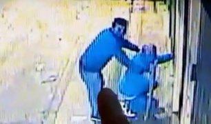 SJL: siguen pista a ladrones  treparon uno sobre otro para saquear taller