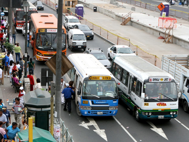 Transportistas anuncian incremento en el precio del pasaje hasta en un 100%