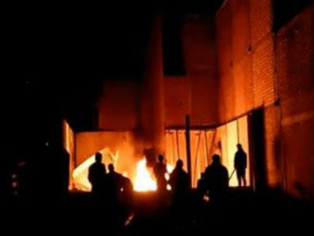 Huancayo: vecinos queman antena de telefonía por temor a contagiarse de COVID-19