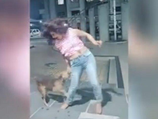 Perro muerde a joven mientras realizaba reto de baile en la calle