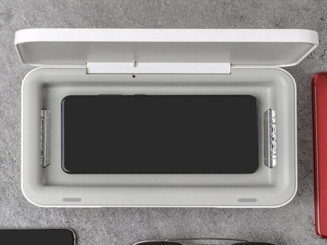 Samsung lanzó al mercado cargador inalámbrico capaz de desinfectar celulares con luz ultravioleta