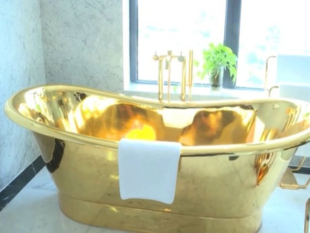 Vietnam: inauguran hotel de oro en plena crisis sanitaria global