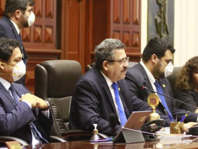 Congreso aprueba que condenados por corrupción no puedan postular a cargos públicos