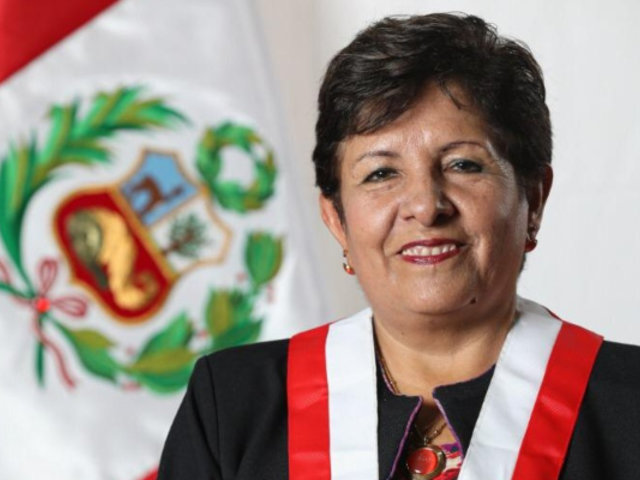 Denuncian a congresista de Acción Popular por recortar sueldo de trabajadora