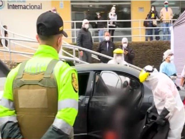 San Borja: hombre falleció al interior de auto en los exteriores de clínica Internacional