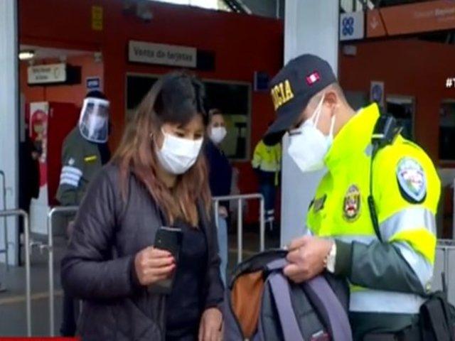 Metro de Lima: Mujer recuperó mochila que olvidó con dinero y tarjetas de crédito