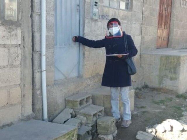 La pandemia no los detiene: maestros peruanos alfabetizan a distancia a adultos mayores