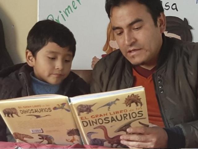 Danny Bernales, el docente que continúa promoviendo la lectura durante la pandemia