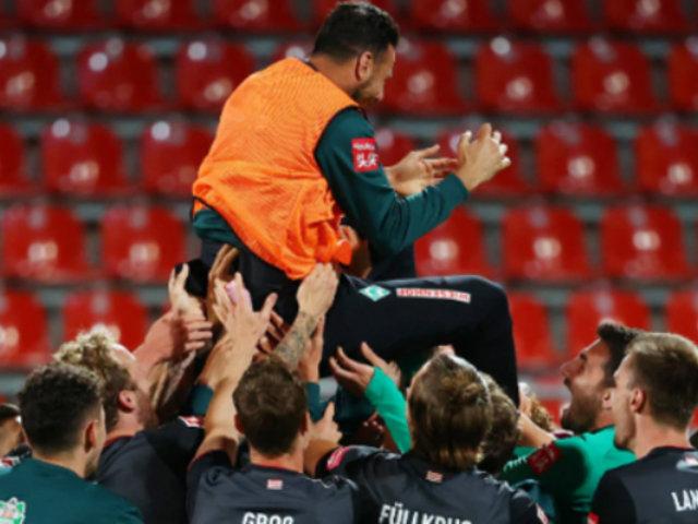 Claudio Pizarro: así fue despedido de la Bundesliga tras salvar el descenso con Bremen