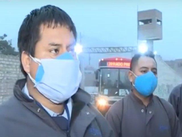 Conductores de 'Corredor Rojo' protestan por recorte de sueldo