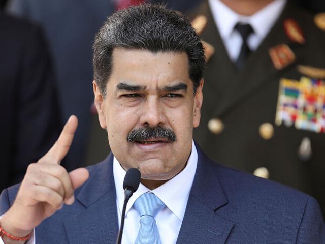 Denuncian que Nicolás Maduro intentó llevar 25 millones de euros de España a Rusia