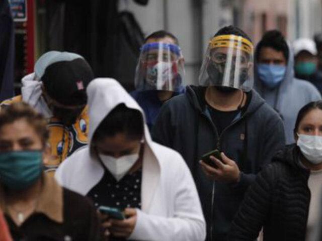 Protector facial no es efectivo  si no se guarda distancia social, advierten especialistas