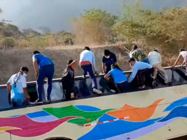 Lambayeque: bus que llevaba a 25 personas cayó a canal de regadío