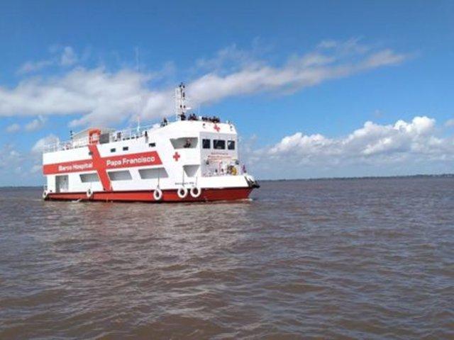 """Barco hospital """"Papa Francisco"""" se unió a la lucha contra el COVID-19 en la Amazonía"""