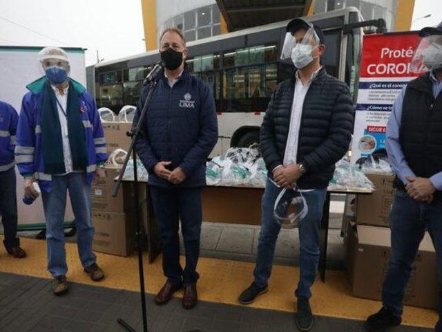 Reparten gratuitamente 500 protectores faciales en estación Matellini
