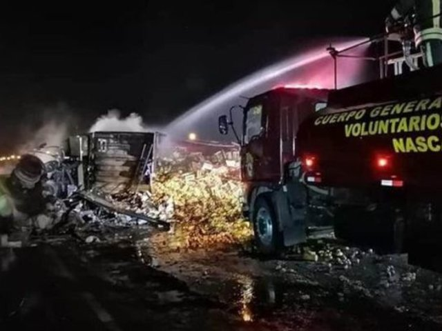 Ica: tres fallecidos dejó fuerte choque entre dos vehículos pesados