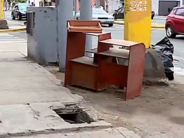 Buzones sin tapas se convierten en trampas mortales en diferentes distritos de Lima