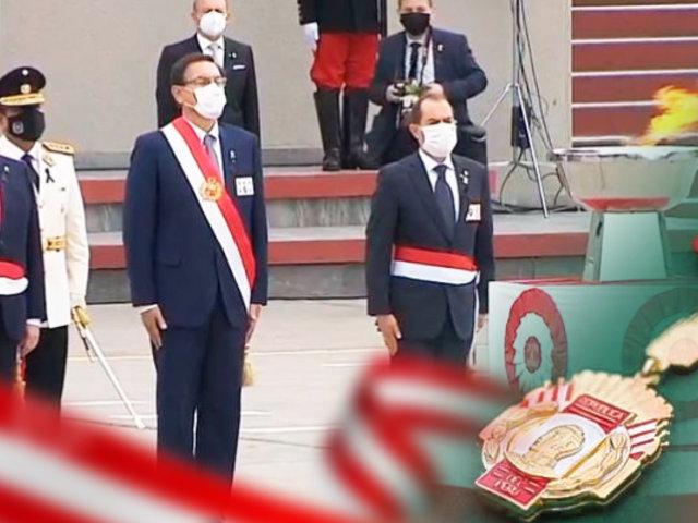 Vizcarra condecoró con la Orden Militar de Ayacucho a las instituciones que luchan contra la pandemia