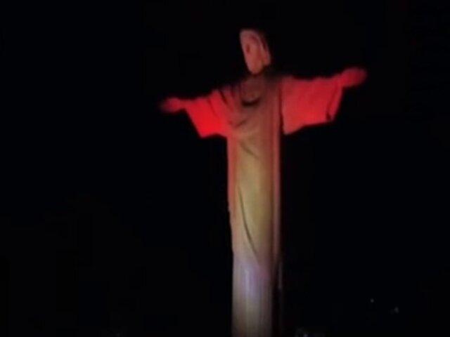 Brasil: Cristo Redentor se vistió de rojo y blanco en homenaje al Perú