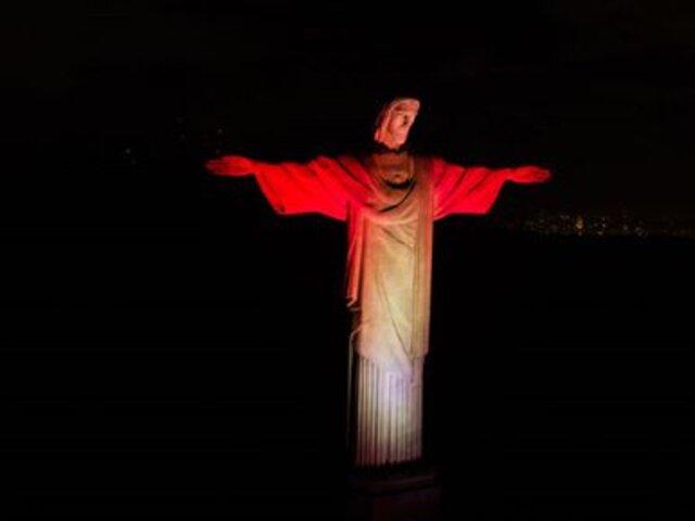 Brasil: Cristo Redentor de Río de Janeiro lució los colores de la bandera del Perú