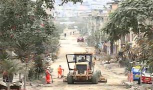 VMT: trabajadores municipales piden apoyo de la PNP para continuar obras