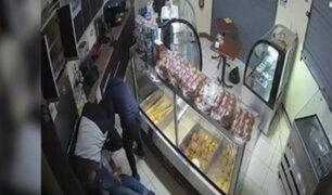 VMT: delincuentes amarran y retienen a trabajador para robar panadería