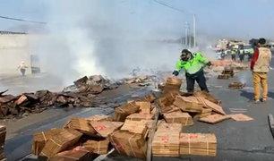 Huaral: extranjeros prenden fuego a mercadería de camión porque chofer se negó a llevarlos
