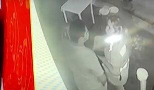 Iquitos: trabajadora de municipio habría recibido dinero para no cerrar restaurante
