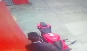 Los Olivos: joven es extorsionado tras sufrir robo de moto