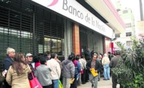 Banco de la Nación: largas colas fueron generadas por confusión en cobro de bonos
