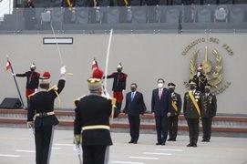 Presidente Vizcarra asiste a ceremonia por aniversario de creación del Ejército Republicano
