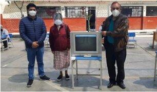 La Libertad: director de colegio regaló televisores para que alumnos reciban clases a distancia