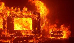 Pese al esfuerzo de bomberos y rescatistas incendios forestales se extienden en California