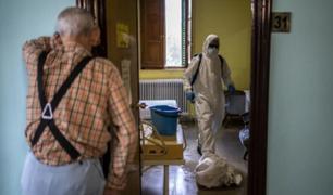 España: Médicos sin Fronteras denuncian desamparo en residencias para ancianos durante la pandemia