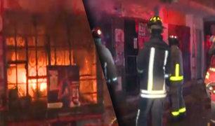 Independencia: incendio destruye tienda de abarrotes