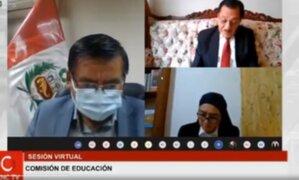 """Congresista de Fuerza Popular deja prendido micrófono: """"No sé ni lo que voto"""""""