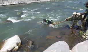 Policías evitan que hombre de 85 años se lance a río Chili en  Arequipa