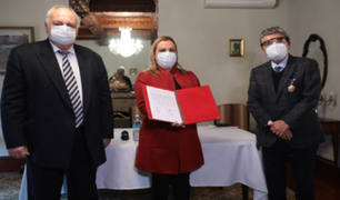 Embajador ruso ofrece a Presidenta Ejecutiva de EsSalud vacunas para enfrentar COVID-19