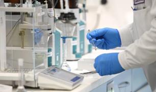 AstraZeneca inicia ensayos clínicos para tratar la COVID-19
