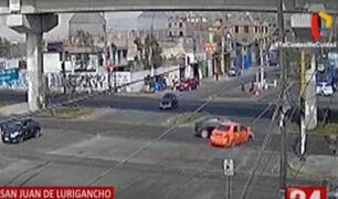 Choque de dos autos deja dos heridos en San Juan de Lurigancho