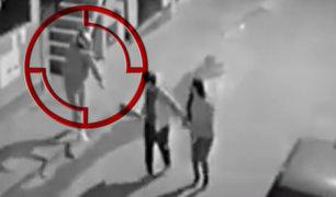 SJM: delincuentes en moto asaltan a pareja de enamorados