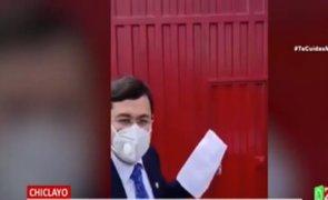 Congresista Jorge Luis Pérez recibe críticas por trasladar a paciente grave a un hospital inoperativo