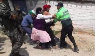 Huancayo: familiares de jóvenes infractores se enfrentan a la policía para evitar detención