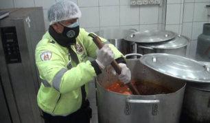 Surco: serenos ayudaron a cocinar 800 raciones para familias de zonas vulnerables