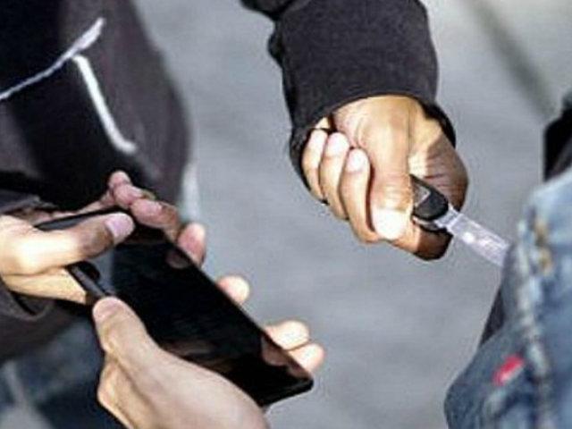 Comas: delincuentes acuchillan a suboficial PNP que se resistió a robo