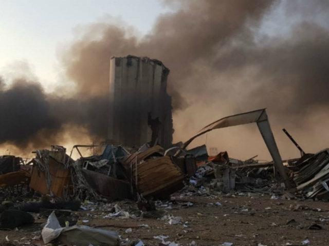 Líbano declara un día de luto tras fuerte explosión en puerto de Beirut
