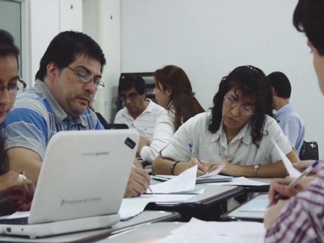 Docentes peruanos ganan concurso para el programa virtual de formación en ciencias