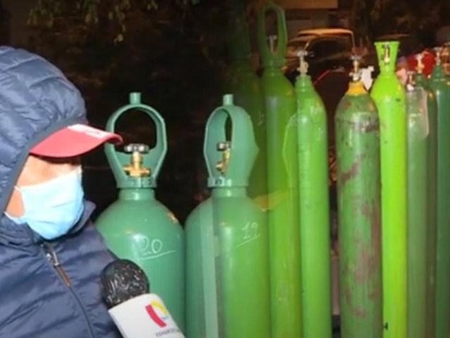 """Callao: denuncian mafia que vende """"colas"""" para compra de oxígeno"""