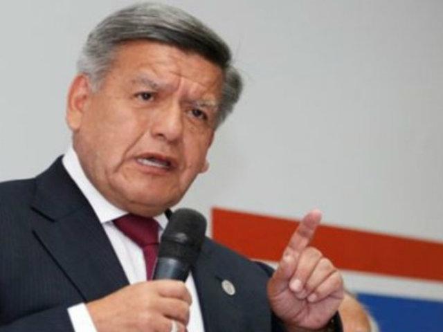 "César Acuña: ""en ningún momento prometí los votos de confianza"" a Cateriano"